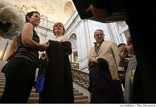 Jane Chaiken (left) and Sam Hamilton get married at City Hall during election day in San Francisco, Calif., on Tuesday, November 4, 2008. Photo: Liz Hafalia, The Chronicle