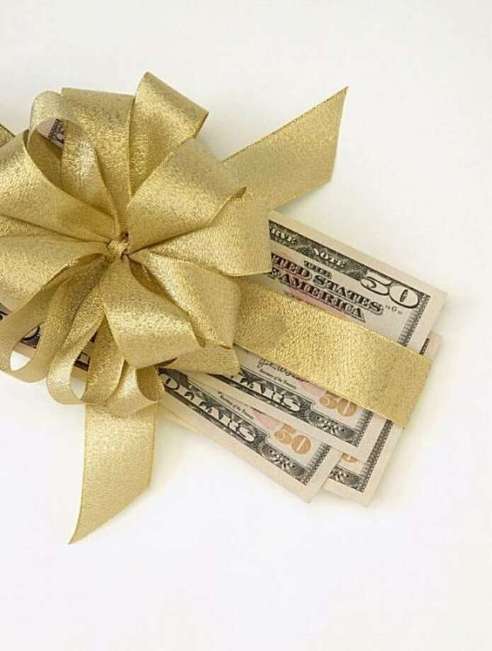 Money as a gift for a story about giving money as a wedding gift. downloaded from iStockphoto.com Photo: IStockphoto.com
