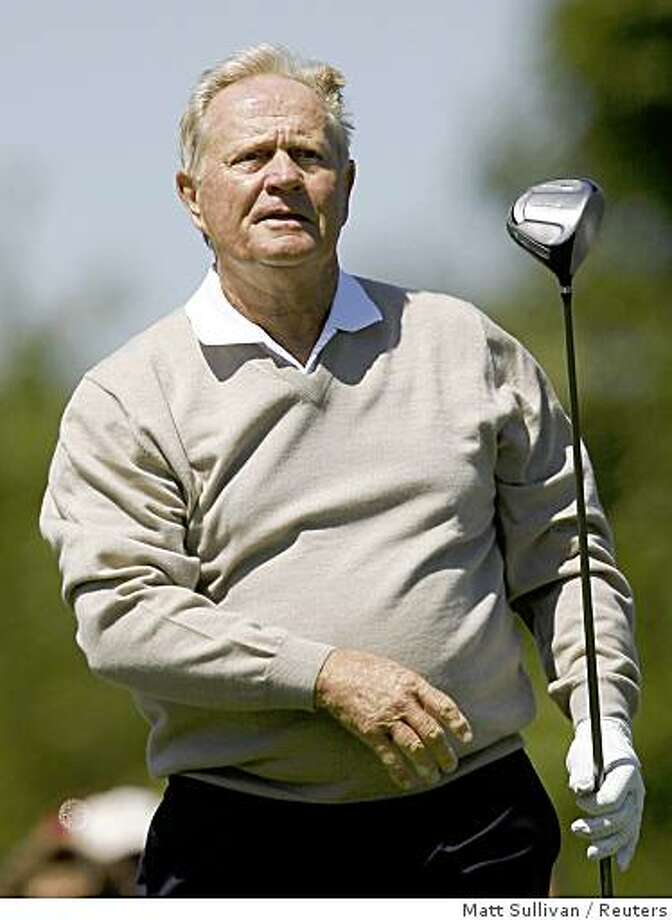 U.S. golfer Jack Nicklaus watches his tee shot on the first hole during practice for the Memorial Tournament at Muirfield Village Golf Club in Dublin, Ohio May 28, 2008. REUTERS/Matt Sullivan (UNITED STATES) Photo: Matt Sullivan, Reuters