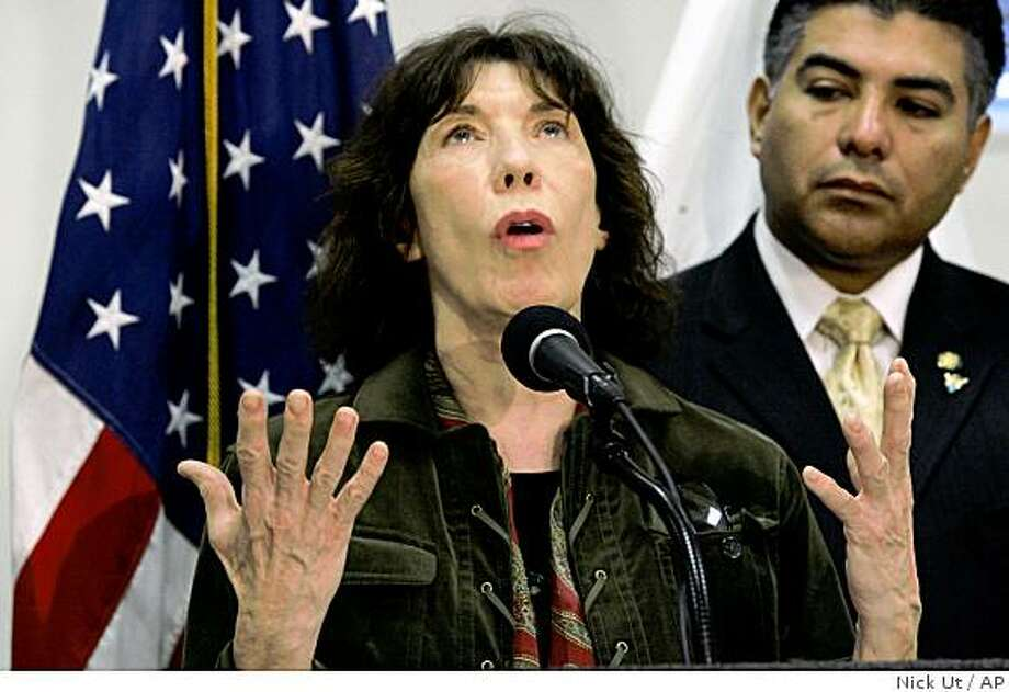 """Actress Lily Tomlin, left and Los Angeles City Councilman Tony Cardenas, speak at news conference in Los Angeles City Hall, Thursday Nov. 6, 2008, as part of the """"Save Billy"""" campaign. Billy is a 21-year-old Asia elephant and the only remaining elephant at the Los Angeles Zoo, in Los Angeles. (AP Photo/Nick Ut) Photo: Nick Ut, AP"""