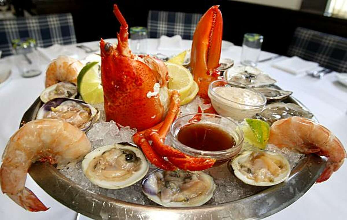 The Guppy Platter includes raw bar combination of oysters, clams, shrimp and lobster. Go Fish located right off highway 29 in St. Helena, CA has a bar which runs into a sushi bar in a large, bright dining area.