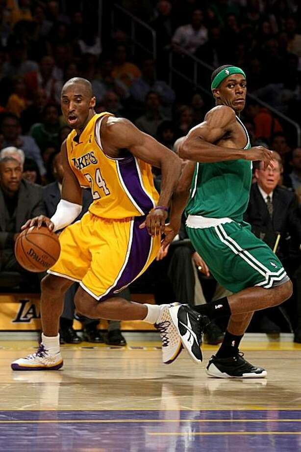 Kobe Bryant #24 of the Los Angeles Lakers drives to the basket past Rajon Rondo #9 of the Boston Celtics in Game Three of the 2008 NBA Finals on June 10, 2008 at Staples Center in Los Angeles, California. Photo: Stephen Dunn, Getty Images