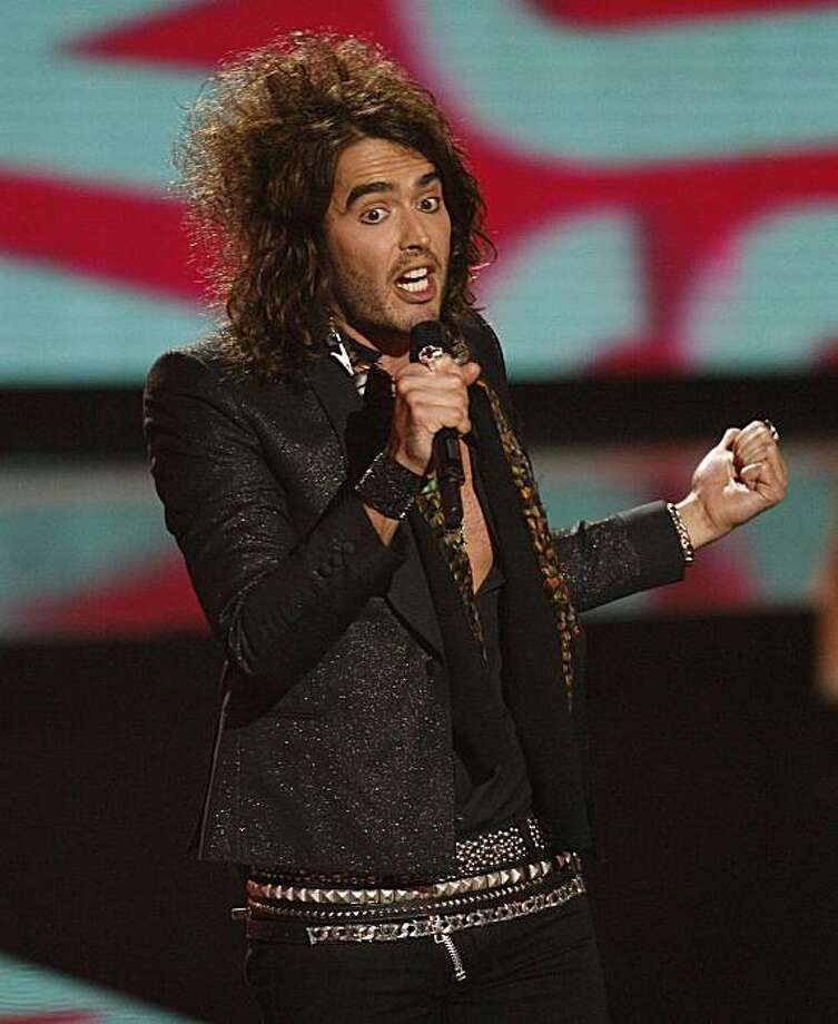 British comedian Russell Brand hosts the 2008 MTV Video Music Awards in Los Angeles September 7, 2008. Photo: Mario Anzuoni, Reuters
