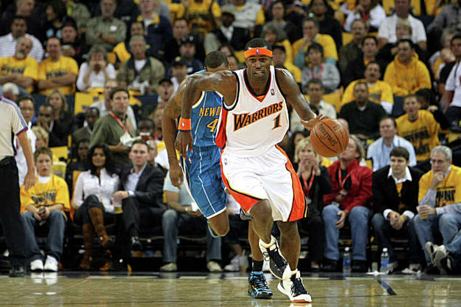 Stephen Jackson (1) Golden State Warriors drives the ball upcourt against the New Orleans Hornets at the Oracle Arena in Oakland Calif., on Wednesday October 29, 2008. Photo: Fredric Larson, The Chronicle / SFC