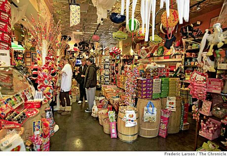 Powell's Sweet Shoppe is a candy store located on Mount Diablo Boulevard, in Lafayette Calif. taken on Wednesday October 30, 2008. Photo: Frederic Larson, The Chronicle
