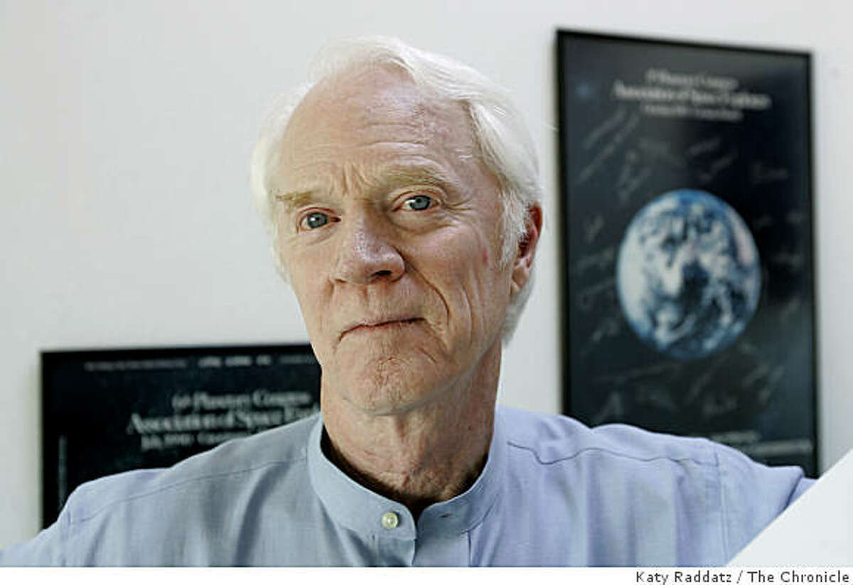 HOWN: Rusty Schweickart, the Chairman of the B612 Foundation. The B612 Foundation is trying to build an asteroid defense system. We photograph Rusty Schweickart in his home office in Tiburon, CA. These photos were shot in Tiburon, CA. on Wednesday, Aug. 30, 2006. (Katy Raddatz/The S.F.Chronicle)