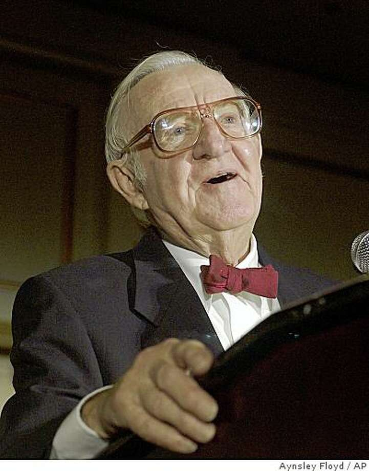 .S. Supreme Court Justice John Paul Stevens delivers the keynote address at the American Bar Association's 2005 Thurgood Marshall Awards Dinner in Chicago on Saturday, Aug. 6, 2005. (AP Photo/Aynsley Floyd) Photo: Aynsley Floyd, AP