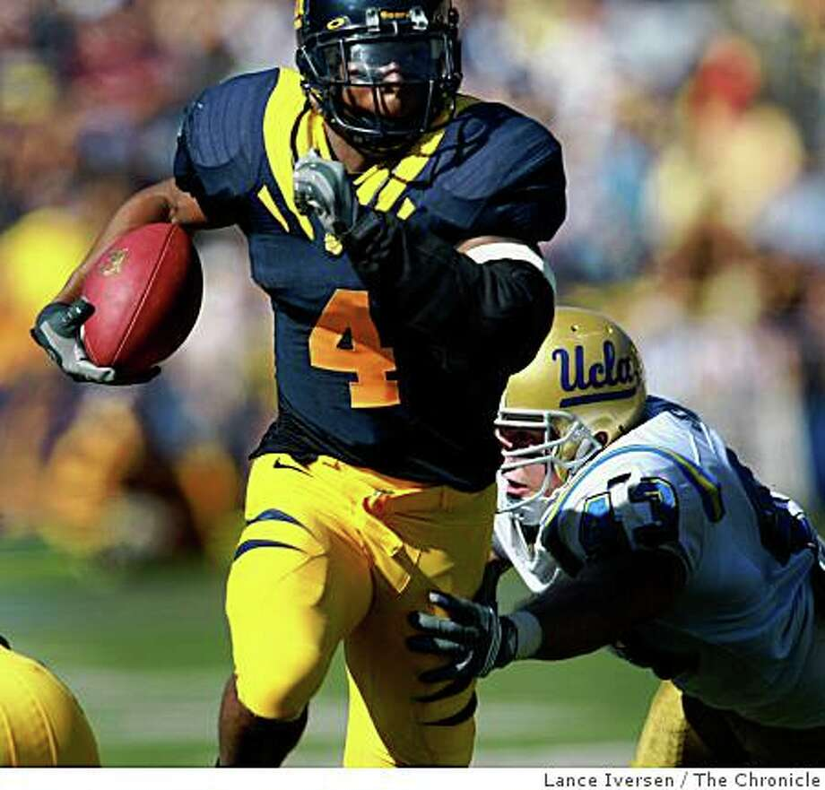 California Running Back Jahvid Best breaks free for a 34-yard touchdown to go up 10-7 in the second quarter in the Bears 41-20 victory over UCLA  in Berkeley, Calif., on Saturday, October 25, 2008. Photo: Lance Iversen, The Chronicle