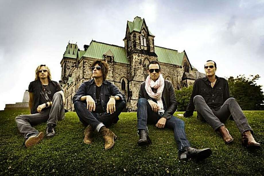 Stone Temple Pilots, angry that Scott Weiland once again lost the keys to the castle. Photo: Atlantic Records