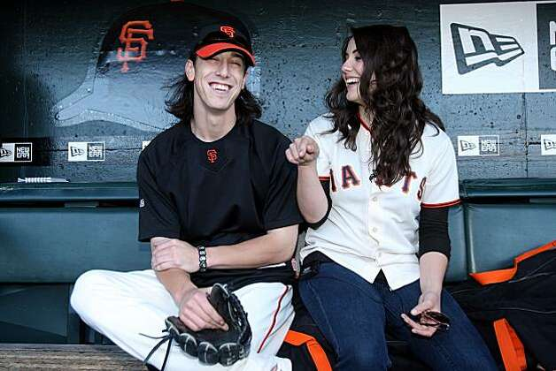 SAN FRANCISCO - AUGUST 26  Tim Lincecum  55  L  of the San Francisco    Tim Lincecum Dad