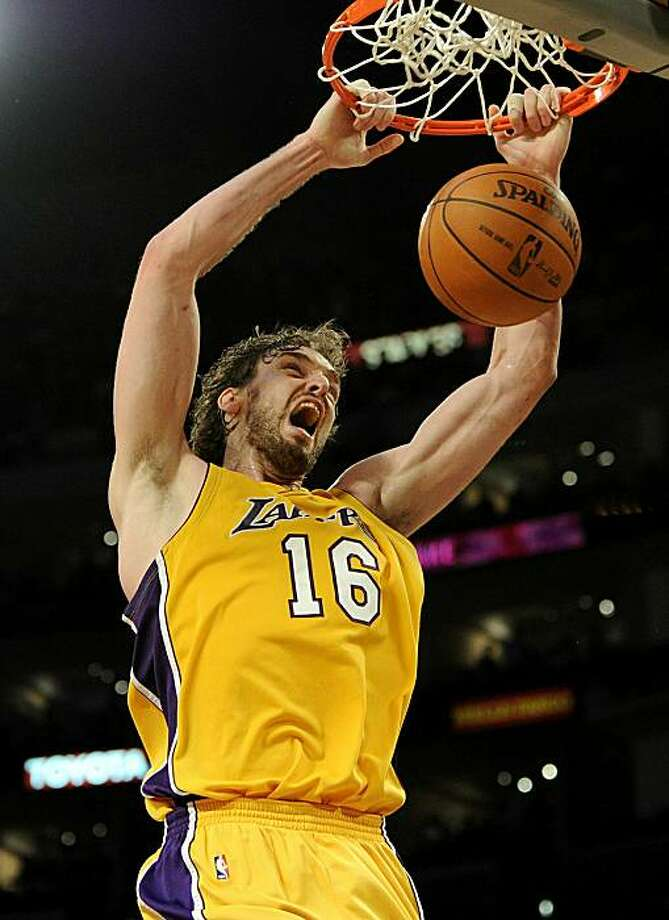 LOS ANGELES, CA - MAY 19:  Pau Gasol #16 of the Los Angeles Lakers dunks the ball against the Phoenix Suns in Game Two of the Western Conference Finals during the 2010 NBA Playoffs at Staples Center on May 19, 2010 in Los Angeles, California. Photo: Harry How, Getty Images