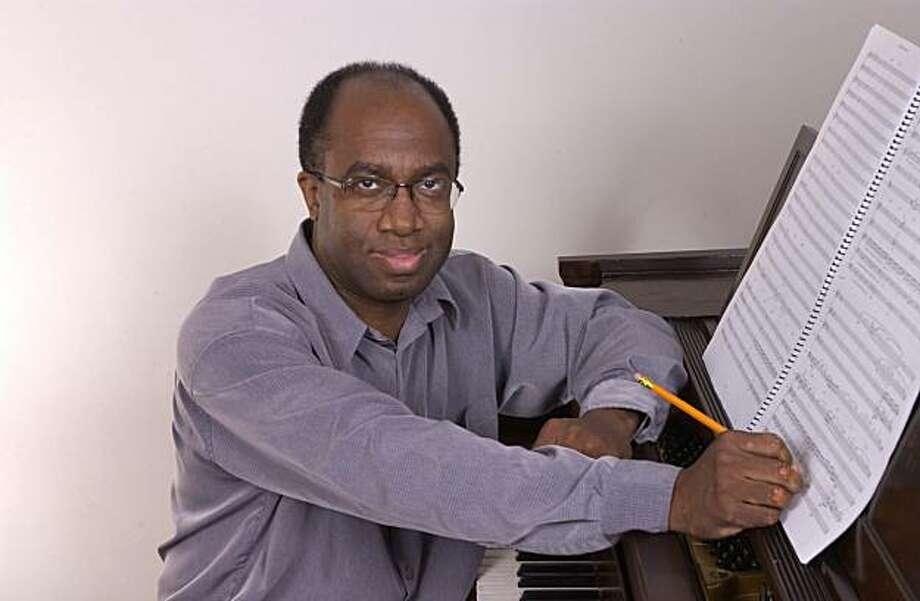 Conductor Michael Morgan Photo: Oakland East Bay Symphony