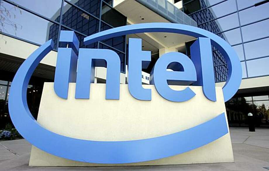 FILE - In this April 14, 2008 file photo, an Intel sign is shown in front of Intel Corp. headquarters in Santa Clara, Calif. The Federal Trade Commission Wednesday, Dec. 16, 2009, is suing Intel Corp., the world's biggest chip maker, accusing the company of using its size to snuff out competition.(AP Photo/Paul Sakuma, file) Photo: Paul Sakuma, AP