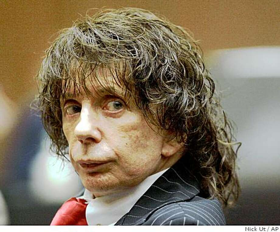 This July 29, 2008, file photo shows music producer Phil Spector during a hearing in Los Angeles County Superior Court. Opening statements are set for Wednesday, Oct. 29, 2008, in the murder retrial of Spector, who is accused of killing actress Lana Clarkson at his home in 2003. (AP Photo/Nick Ut) Photo: Nick Ut, AP