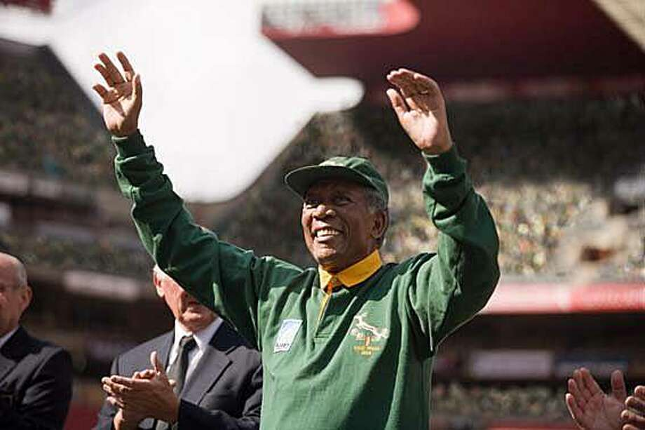 """Morgan Freeman as Nelson Mandela in """"Invictus."""" MORGAN FREEMAN as Nelson Mandela in Warner Bros. PicturesÕ and Spyglass EntertainmentÕs drama ÒInvictus,Ó a Warner Bros. Pictures release.  PHOTOGRAPHS TO BE USED SOLELY FOR ADVERTISING, PROMOTION, PUBLICITY OR REVIEWS OF THIS SPECIFIC MOTION PICTURE AND TO REMAIN THE PROPERTY OF THE STUDIO. NOT FOR SALE OR REDISTRIBUTION. Photo: Keith Bernstein, Warner Bros."""