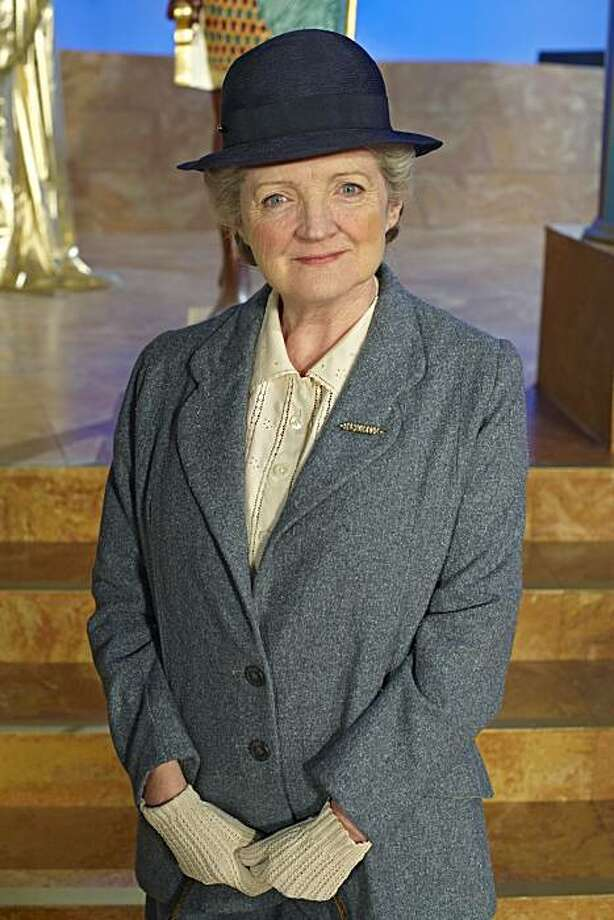 MASTERPIECE Agatha Christie?s Miss Marple V 'The Mirror Crack?d From Side to Side.' Acclaimed British actress Julia McKenzie (?Cranford?) stars as the beloved spinster sleuth Miss Marple in three new episodes of the popular Agatha Christie?s Miss Marpleseries. Photo: ITV For Masterpiece