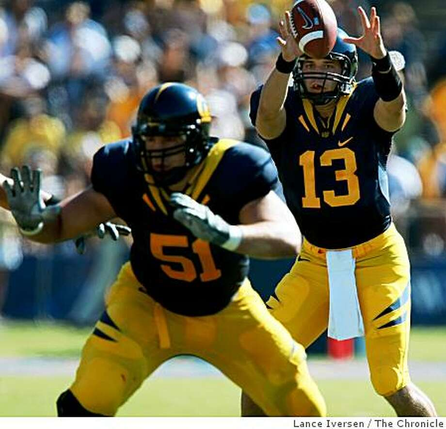 Cal quarterback Kevin Riley takes the snap in the first half of the Bears 41-20 victory over UCLA  in Berkeley, Calif., on Saturday, October 25, 2008. Photo: Lance Iversen, The Chronicle