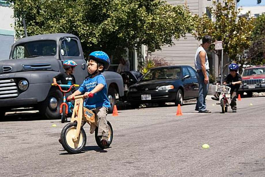 Sunday Streets open roads for people of all ages. Photo: San Francisco Bicycle Coalition