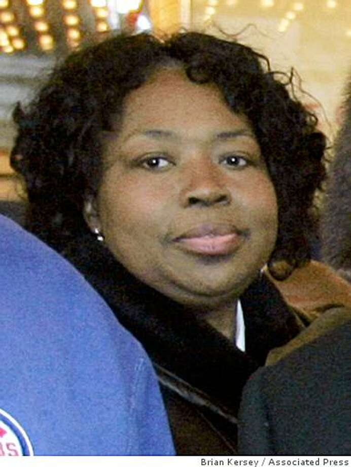 This March 6, 2007 file photo shows Darnell Donerson, the mother of Oscar-winning actress Jennifer Hudson, at the Chicago Theatre in Chicago. Photo: Brian Kersey, Associated Press