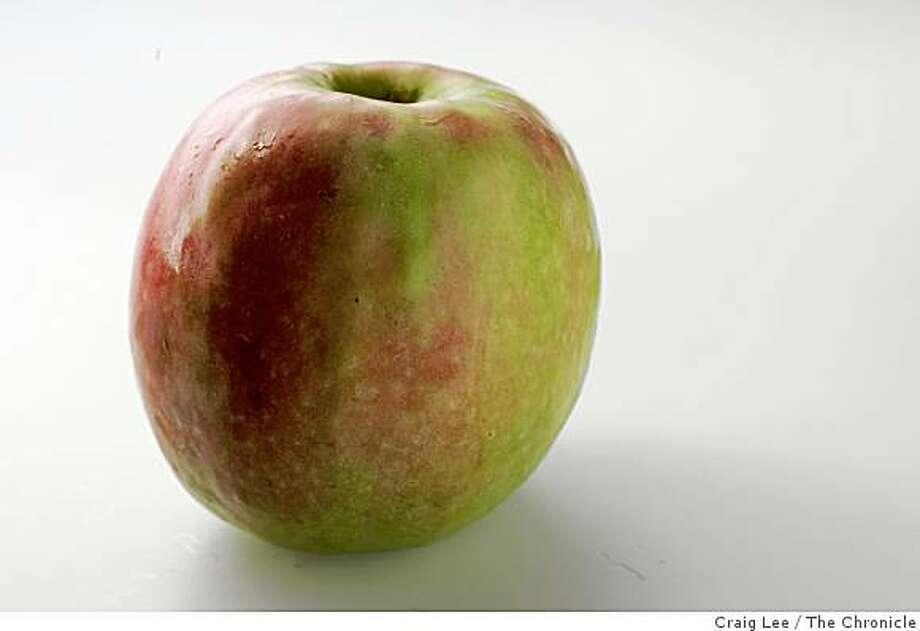 Seasonal story on heirloom apple varieties grown in Sebastopol. Photo of a Pink Lady apple. Photo: Craig Lee, The Chronicle