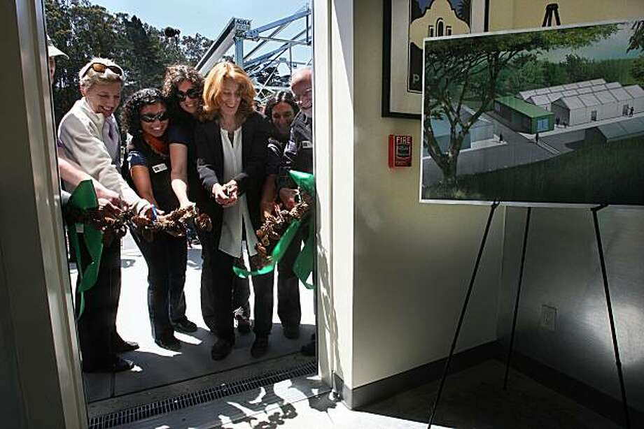 Left to right--Claire Thorp (assistant director of Western Partnership Office, National Fish and Wildlife Foundation), Ely Huerta Ortiz (community programs manager), Brianna Schaefer (Presidio nursery manager), Naomi Porat (CEO of ZETA communities), Michele Laskowski (staff), and Greg Moore (host) at the ribbon cutting for the new Seed and Plant Lab in the Presidio in San Francisco, Calif.,  taking place on Wednesday, May 12, 2010. Photo: Liz Hafalia, The Chronicle