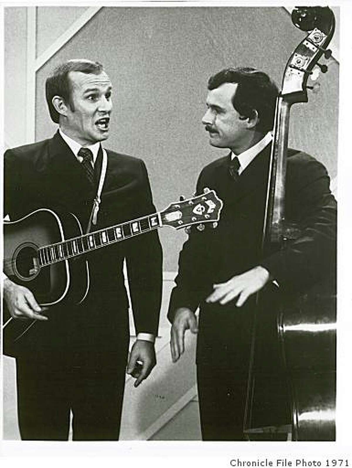 Tommy (left) and Dick Smothers: