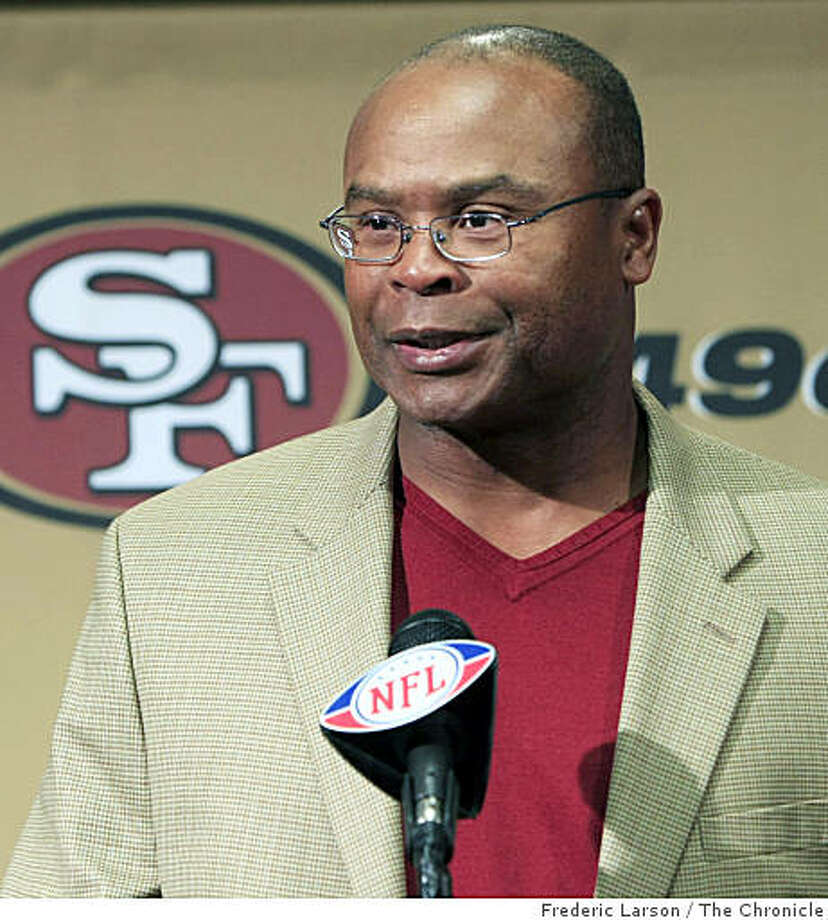 Mike Singletary was named head coach of the San Francisco 49ers for the reminder of the season which was announced at the press conference at the 49er headquarter, San Clara, Calif., on Tuesday October 21, 2008.Mike Singletary was named head coach of the San Francisco 49ers for the reminder of the season which was announced at the press conference at the 49er headquarter, San Clara, Calif., on Tuesday October 21, 2008. Photo: Frederic Larson, The Chronicle