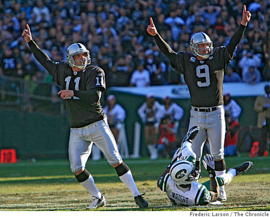 Oakland Raider field goal kicker Sebastian Janikowski (11) kicks a record 57 yard field goal to win over the New York Jets in overtime against the New York Jets on October 19, 2008 at the Oakland-Alameda County Coliseum. Photo: Frederic Larson, The Chronicle
