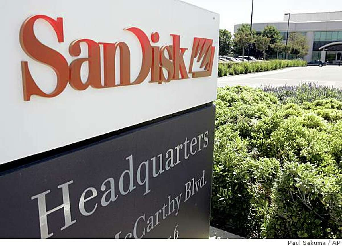 ** FILE ** In this July 31, 2006 file photo, the headquarters of SanDisk Corp. is shown in Milpitas, Calif. Samsung Electronics Co. is pursuing an acquisition of the U.S. computer memory card maker, a South Korean online business newspaper reported Friday, Sept. 5, 2008.. (AP Photo/Paul Sakuma, file)