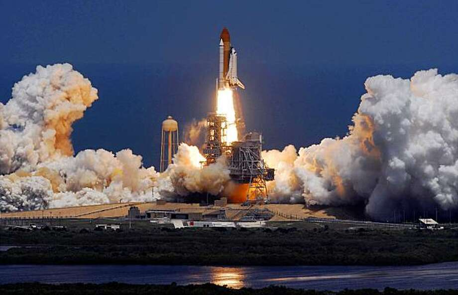 **CORRECTS BYLINE** Space shuttle Atlantis lifts-off from the Kennedy Space Center at Cape Canaveral, Fla. Friday May 14, 2010. Photo: Craig Rubadoux, AP