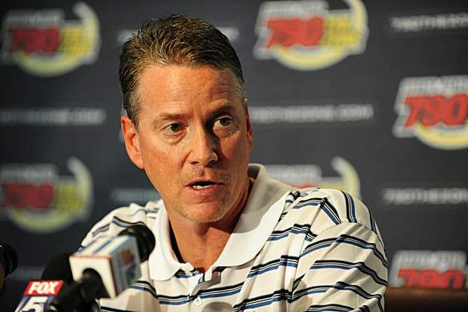 Former Atlanta Braves pitcher Tom Glavine speaks with the media following an on air interview with Sports Radio 790 the Zone in Atlanta, Friday, June 5, 2009. Glavine was released by the Braves on Wednesday. (AP Photo/Paul Abell) Photo: Paul Abell, AP