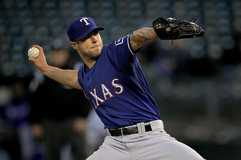 Rich Harden starts for the Rangers in Oakland on Monday. Photo: Carlos Avila Gonzalez, The Chronicle