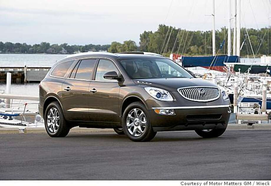2009 Buick Enclave2009 Buick Enclave CXL. X09BU_EN001  (United States) Photo: Courtesy Of Motor Matters GM, Wieck