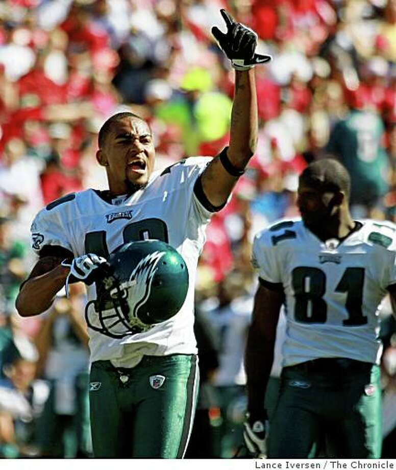 Eagles DeSean Jackson gestures to the fans after hauling in a first down pass from Donovan McNabb in front of 49ers Tarell Brown in first half action. Philadelphia Eagles defeated the San Francisco 49ers 40-26 October 12, 2008 in San Francisco Photo: Lance Iversen, The Chronicle