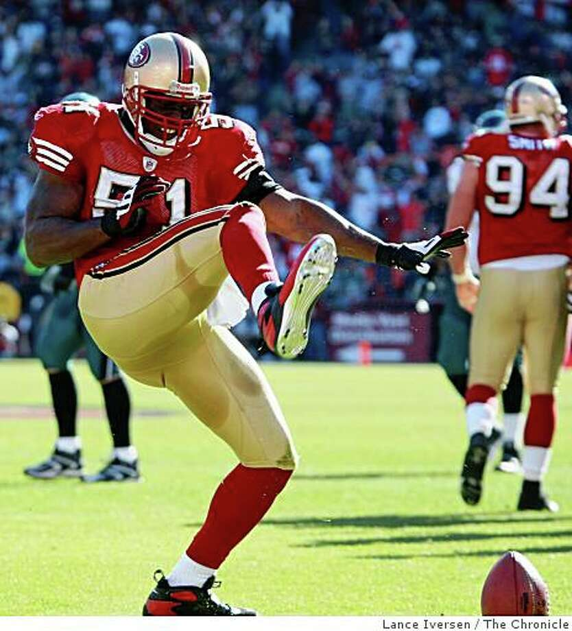 49ers Takeo Spikes celebrate his Donovan McNabb interception in the third quarter. The Philadelphia Eagles defeated the San Francisco 49ers in San Francisco October 12, 2008  40-26 Photo: Lance Iversen, The Chronicle