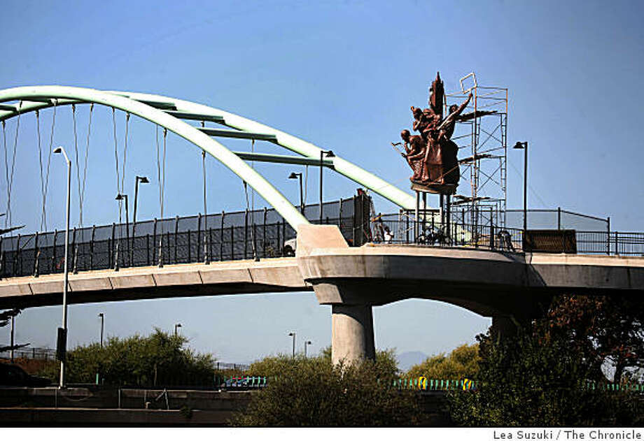 Berkeley's pedestrian bridge over I-80 may lose its giant statues