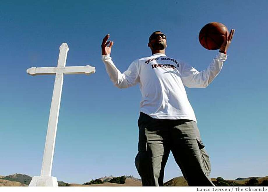 St. Mary's college basketball standout Patty Mills has been collecting extra frequent flyer miles as he travels between the Bay Area, china and his home country Australia. He recently played in the Olympics representing Australia. Photographed Tuesday October 14, 2008 in Moraga Calif. Photo: Lance Iversen, The Chronicle