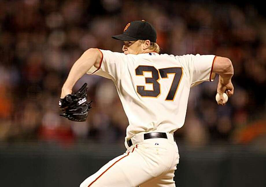 Todd Wellemeyer of the San Francisco Giants pitches against the Philadelphia Philles at AT&T Park on Tuesday. Photo: Ezra Shaw, Getty Images