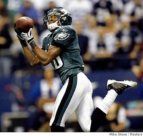 Eagles wide receiver DeSean Jackson catches a pass against the Cowboys in the second quarter of their game in Irving, Texas September 15, 2008. Jackson would have scored on the play but spiked the ball on the one yard line before crossing the goal line. Photo: Mike Stone, Reuters