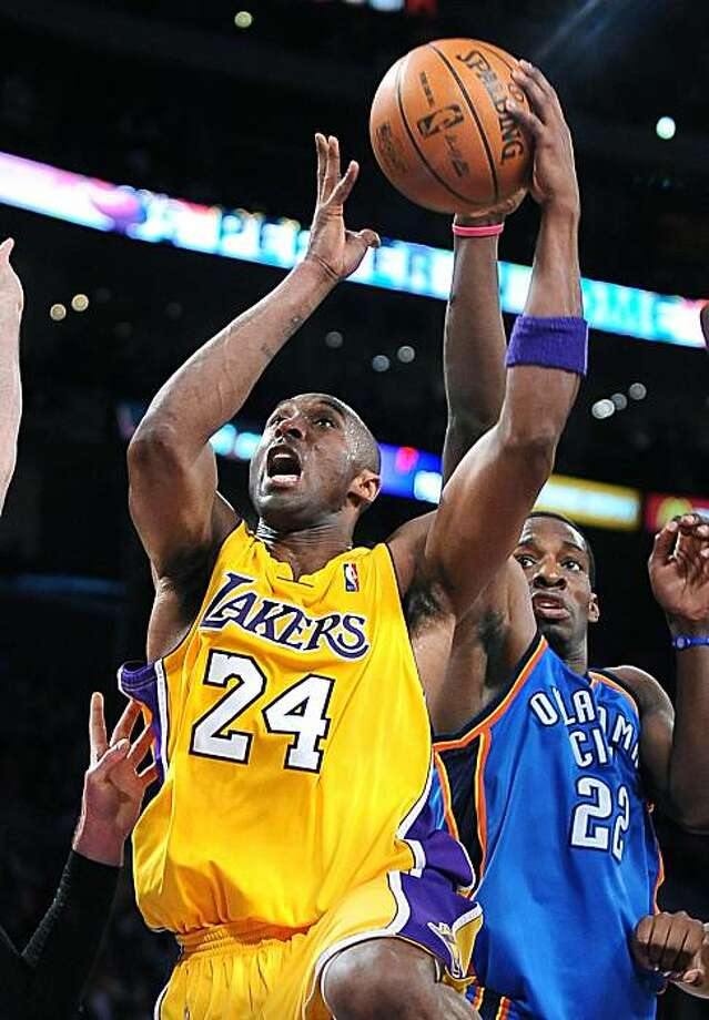 Los Angeles Lakers' Kobe Bryant (24) puts up a shot against Jeff Green of the Oklahoma Thunder in the first half of Game 2 of the NBA Western Conference playoffs at Staples Center in Los Angeles, California, on Tuesday, April 20, 2010. (Wally Skalij/Los Angeles Times/MCT) Photo: Wally Skalij, MCT