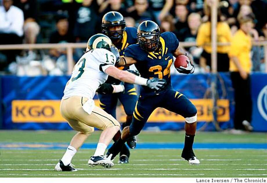Running Back Shane Vereen (34) of the California Golden Bears breaks upfield around Colorado State safety Mike Pagnotta (13) as the Bears host the Rams in Berkeley Calif., on September 27,  2008 Photo: Lance Iversen, The Chronicle