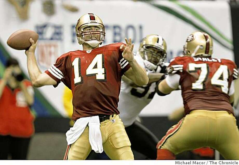 Quarterback J.T. O'Sullivan throws against the Saints at the New Orleans Superdome in New Orleans, La.  on Sunday Sept. 28, 2008. Photo: Michael Macor, The Chronicle