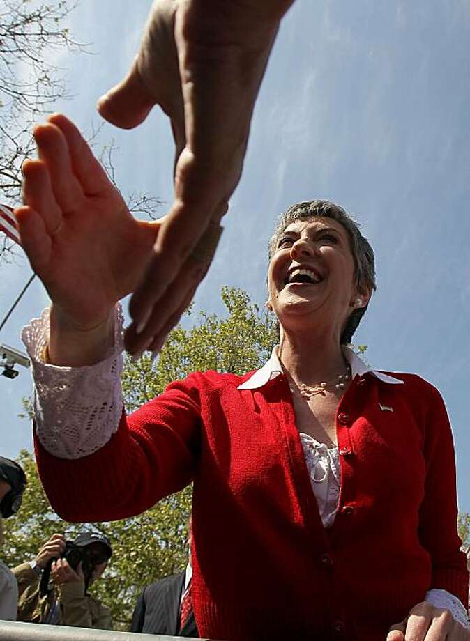 PLEASANTON, CA - APRIL 15:  Republican candidate for the U.S. Senate and former HP CEO Carly Fiorina greets supporters during the 2010 Tax Day Tea Party April 15, 2010 in Pleasanton, California. The U.S. Securites and Exchange Commission has joined forceswith Germany and Russia in investigating whether Hewlett-Packard, while under the command of then CEO Carly Fiorina, broke anti-bribery laws by allegedly paying out nearly $11miilion to Russian officials to secure business contracts. Photo: Justin Sullivan, Getty Images
