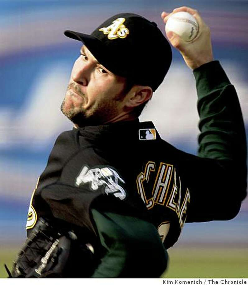 The Athletics Justin Duchscherer pitches in the first inning as the Oakland Athletics play the San Francisco Giants at McAfee Coliseum in Oakland , Calif., on Saturday, June 28, 2008.Photo by Kim Komenich / The Chronicle Photo: Kim Komenich, The Chronicle