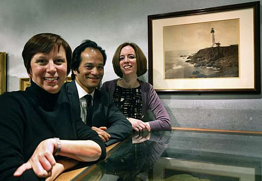 Lori Fogarty (left), executive director of the Oakland Museum of California, is seen in a gallery with Rene de Guzman (center), senior curator of art, and Louise Pubols, senior curator of history, in Oakland, Calif., on Friday, March 26, 2010. The museum is set to reopen in April after an extensive two-year renovation. Photo: Paul Chinn, The Chronicle