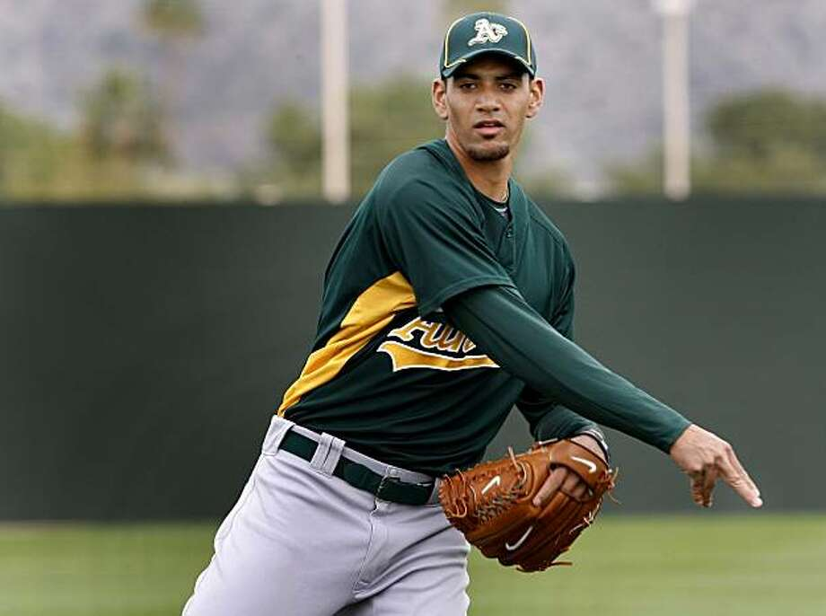 The Oakland Athletics pitcher Tyson Ross (number 66) works out at Papago Park in Phoenix Arizona during spring training 2010. Photo: Brant Ward, The Chronicle