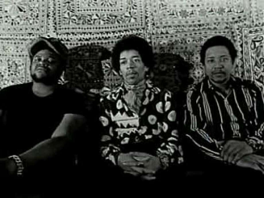 Buddy Miles, Jimi Hendrix and Billy Cox, Band of Gypsys Photo: Photobucket.com