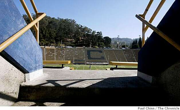 Cal's Memorial Stadium is seen in Berkeley, Calif., on Wednesday, Sept. 24, 2008. Photo: Paul Chinn, The Chronicle
