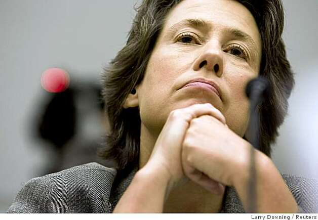 FDIC Chairwoman Sheila Bair testifies before the House Financial Services Committee, about housing foreclosures, on Capitol Hill in Washington, September 17, 2008.       REUTERS/Larry Downing  (UNITED STATES) Photo: Larry Downing, Reuters