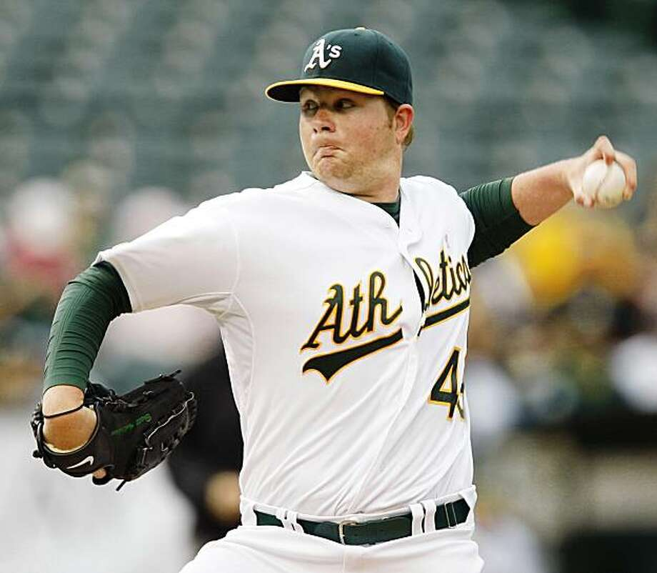 Oakland Athletics' Brett Anderson works against the Seattle Mariners in the first inning of a baseball game Saturday, Sept. 5, 2009, in Oakland, Calif. (AP Photo/Ben Margot) Photo: Ben Margot, AP